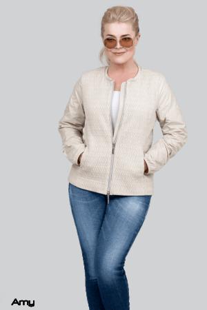Amy white1